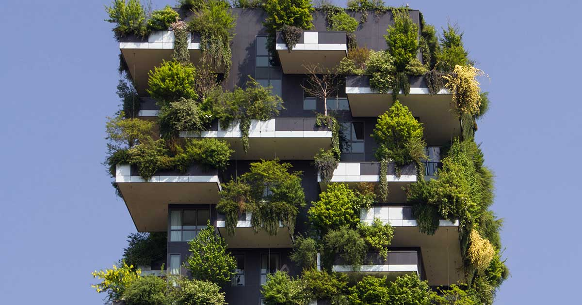 balcone moderno ricco di verde per il bosco verticale di milano
