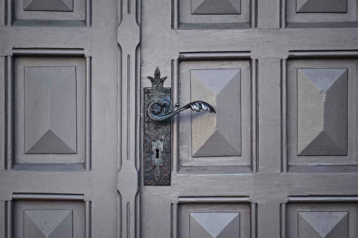 Porte in alluminio sistemi di apertura