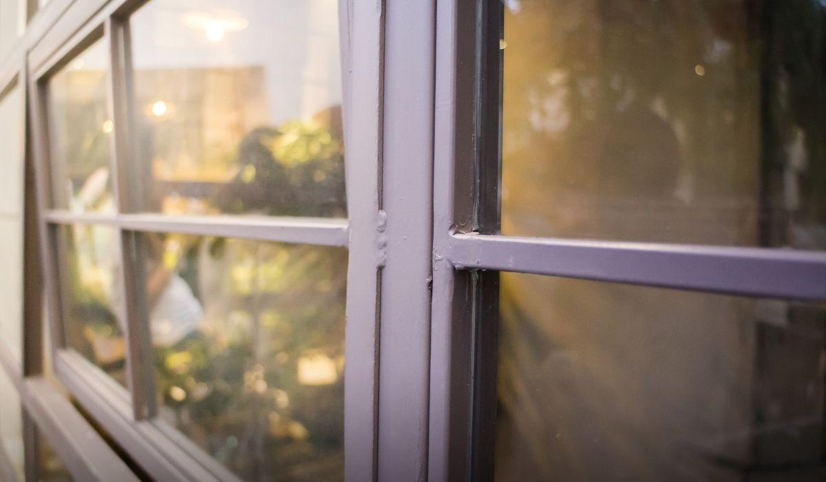 finestra bloccata dall'interno: come sbloccarla?