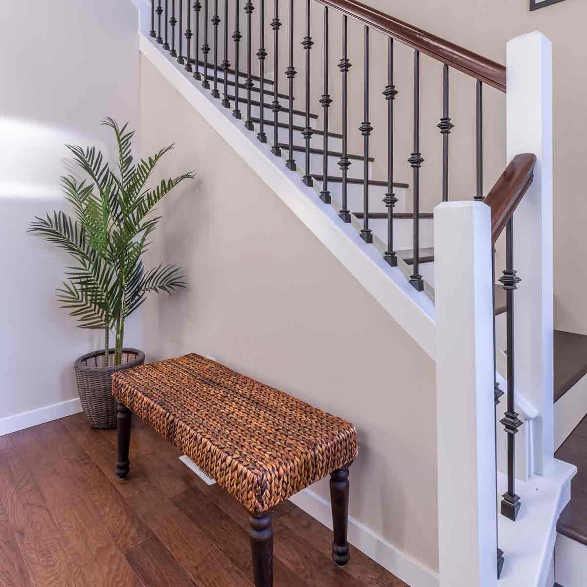 scale interne con ringhiera in alluminio stile classico