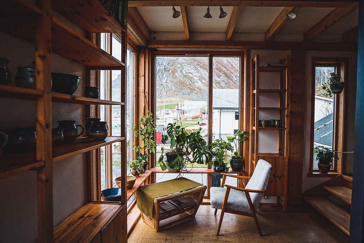 interni casa in legno con finestre in alluminio legno