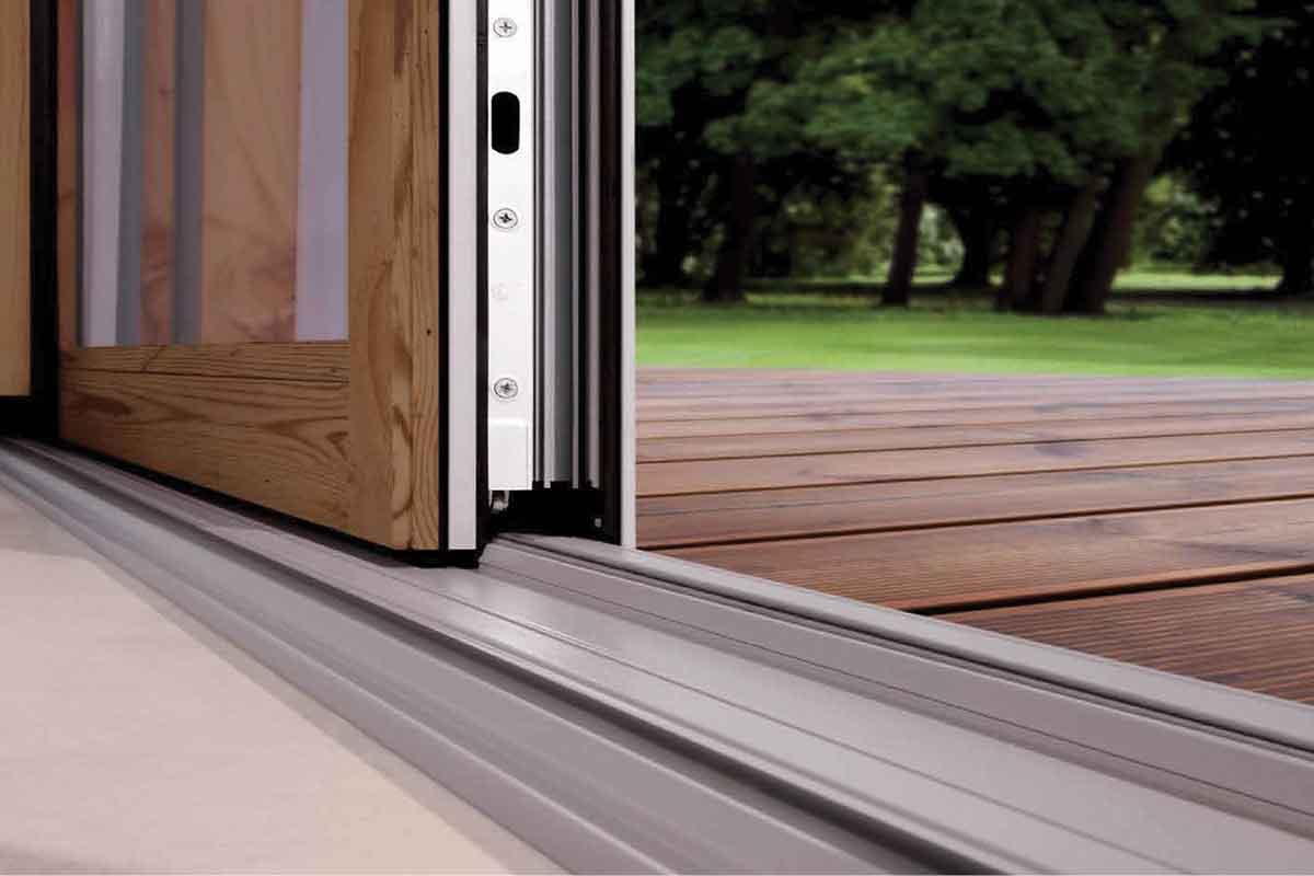 Serramenti scorrevoli in alluminio effetto legno